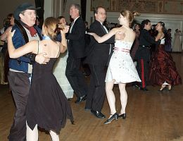 Dancing2