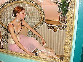 BallerinaTyingShoes