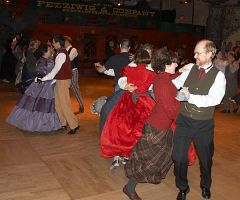 DancingAtFezziwigs2