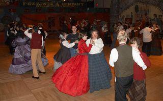 DancingAtFezziwigs3